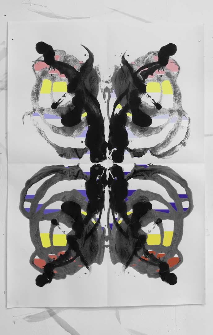 אלי פטל, רורשך כחול אדום צהוב (פנטון), הזרקת דיו, 2020, מובי: מוזיאון בת ים