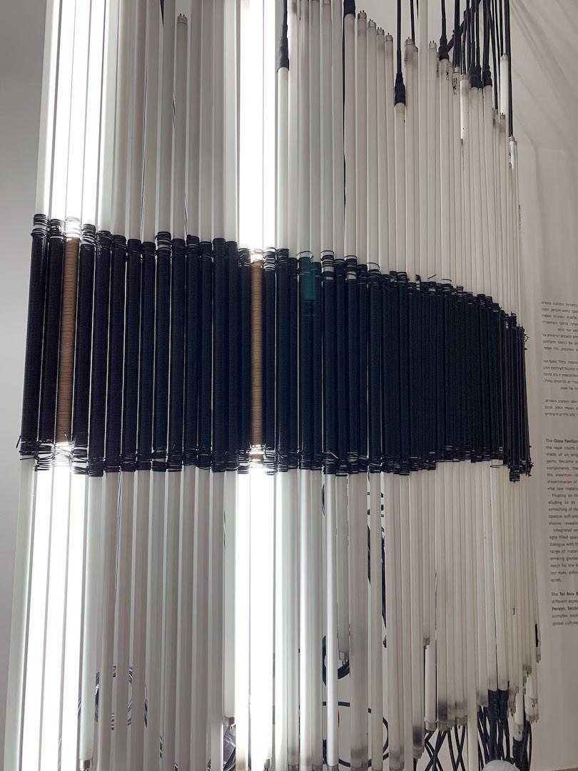 דניאל פלדהקר, הביאנלה לעיצוב במוז״א. צילום: טל סולומון ורדי